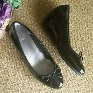 Me Too Staple patent leather wedges